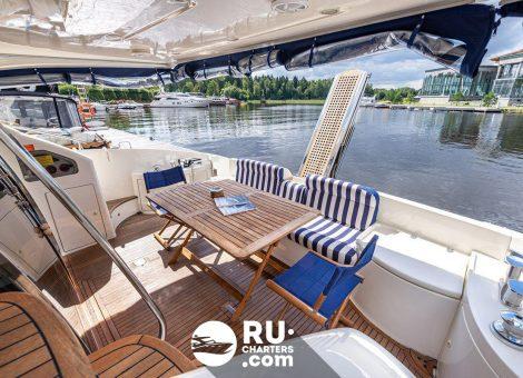«azimut 55» Аренда яхты в Москве