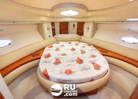 Аренда яхты Azimut 42 в Москве